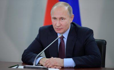 Путин подписал закон о смягчении наказания за лайки и репосты