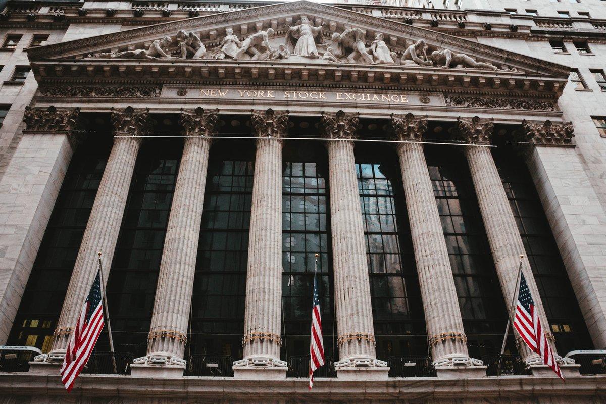 МТС уходит с биржи, а инвесторы сбрасывают акции