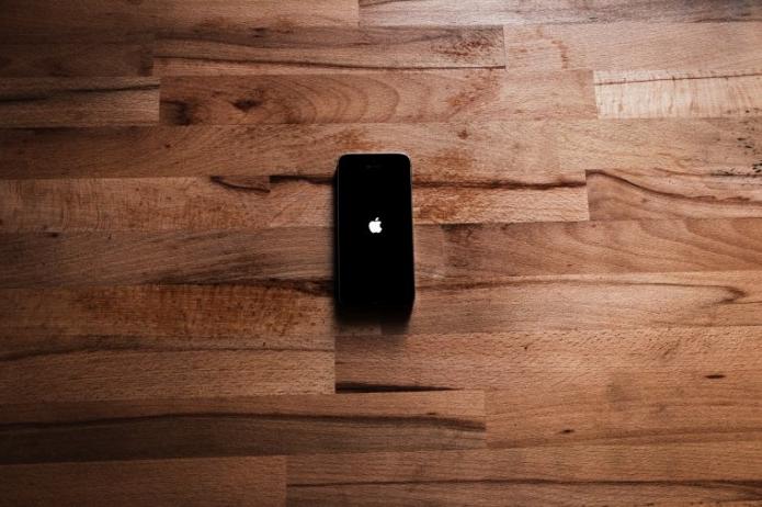 Родина или смартфон: что важнее россиянину?